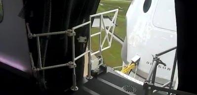 Merakla beklenen an geldi: SpaceX'in Crew Dragon kapsülü uzaya fırlatılıyor