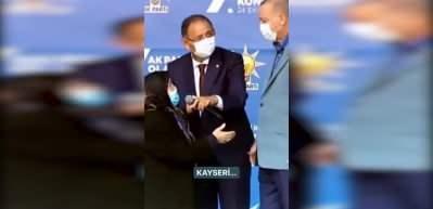 Safiye Teyze ile Erdoğan'ın sıcak muhabbeti: Şu senin damadının adı Bayraktar mıydı?