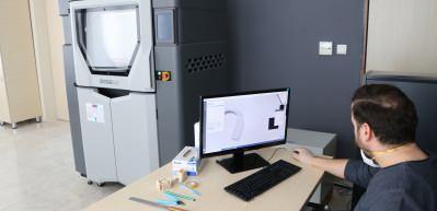 Sağlık personelini koruyacak 'video laringoskop' cihazı geliştirildi