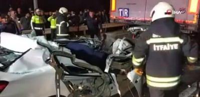 Samsun'da bir araç TIR'ın altına girdi: 1 ölü