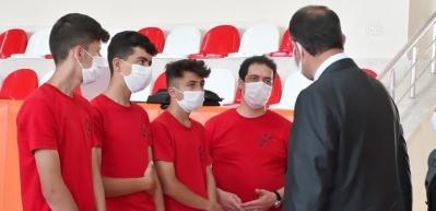 Sivaslı gençler geliştirdikleri İHA projesiyle TEKNOFEST'te Türkiye birincisi oldu