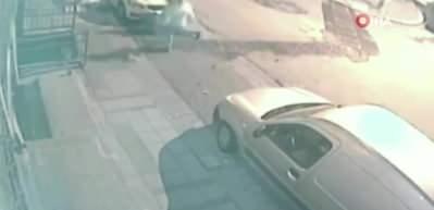 Sokak ortasında dövdükleri adamı böyle gasp ettiler