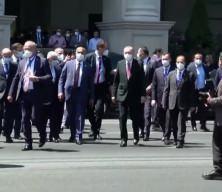 Maç için Azerbaycan'a gelen taraftarlardan Başkan Erdoğan'a sevgi gösterisi