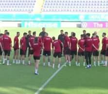 Milli Takım'da iki futbolcu birbirine girdi!