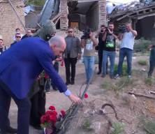 Numan Kurtulmuş, Ermenistan'ın saldırılarında sivillerin hayatını kaybettiği Gence'yi ziyaret etti