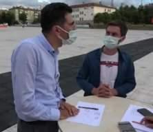 Samsun'da bir doktor aşı karşıtı vatandaşı resim çizerek ikna etti