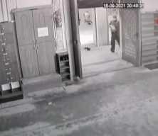 imama sopalı saldırı girişimi