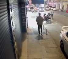 İstanbul'da 'omuz atma' cinayeti kamerada: Kalbinden bıçakladı!