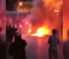 Ümraniye'de park halindeki kamyonet alev alev yandı