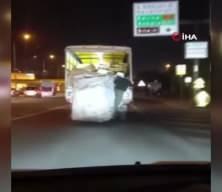 Kağıt toplayıcısının tehlikeli yolculuğu