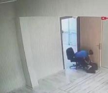 Skandal! Engelli öğrencilere darp kameraya yansıdı