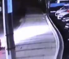 Beykoz'da 30 saniyede 60 bin TL'lik far hırsızlığı kamerada