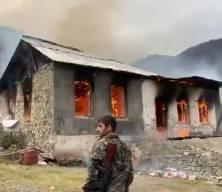 Bölgeyi terk eden Ermeniler yerleşim yerlerini yakıyor!