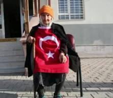 96 yaşındaki Fermude nine, telefonla Bakan Selçuk'la görüştü