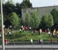 Galatasaray taraftarı stada gitti Polis müdahale etti