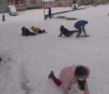 İstanbul'da çocukların kar keyfi!