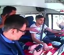 Mersin'de minibüsçüler arasında hat kavgası! Yolcular dehşeti yaşadı