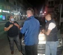 Muayenesiz araçla kısıtlamayı delen sürücüden polise: Şov yapmayın