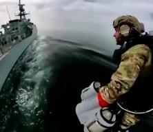 Açık denizde sıra dışı anlar! 'Sırt roketli' tatbikat