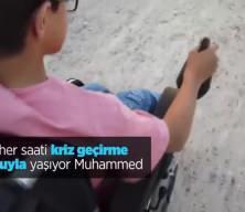 Suriye'de omuriliği zarar gören Muhammed, krizlerden kurtulmak için tedavi olmayı bekliyor