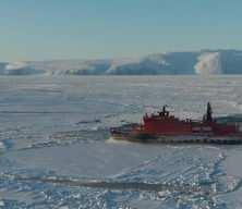 Tarihte ilk kez kışın Kuzey Buz Denizi'nden gemi geçti