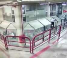 Tartıştığı esnafı 12. kattan aşağı attı... Dehşet anları kamerada!