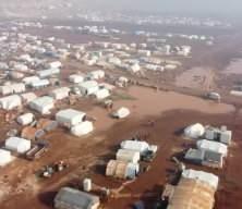 Yüzlerce çadır sular altında kaldı! Çaresizlik diz boyu