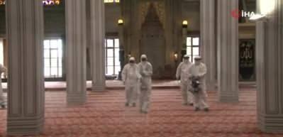 Sultanahmet Camii cuma namazına hazırlanıyor