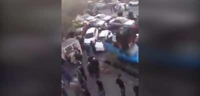 Tebriz'de halk İran'ın Ermenistan'a verdiği desteği sonlandırması için sokaklarda
