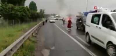 TEM otoyolunda araç yangını