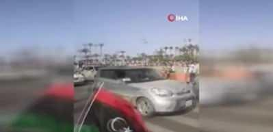 Trablus'ta halk kutlamalar için sokaklara döküldü