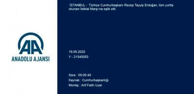 Tüm Türkiye balkonlarda İstiklal Marşı okudu! Başkan Erdoğan da eşlik etti