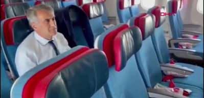 Türk Hava Yolları uçuş ekibinden, Roma yolculuğunda A Milli Takım'a özel anons