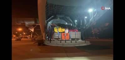 Türkiye'den giden tıbbi yardım malzemeleri Beyrut'a ulaştı