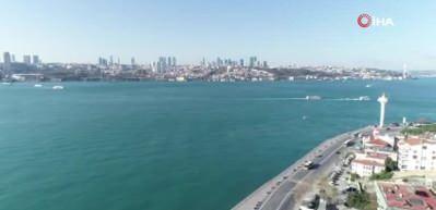 Turkuaz rengine bürünen İstanbul Boğazı havadan görüntülendi