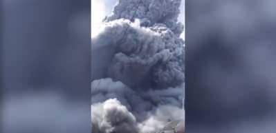 Ülke alarmda! Küller 5 bin metreye yükseldi!