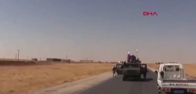 Suriye'de skandal görüntü! Terör örgütü PYD/YPG mensubu Rus aracından inerken görüntülendi