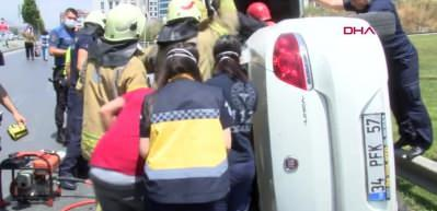 Yan yatan araçtan sıkışan iki kadını itfaiye kurtardı