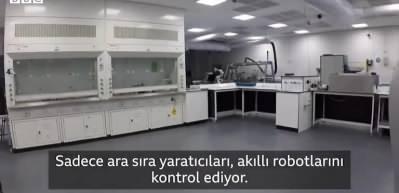 Yapay zeka ile çalışan yeni robot, laboratuvarda kendi başına araştırma yapabiliyor