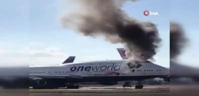 Yolcu uçağı alev aldı! Korku dolu anlar...
