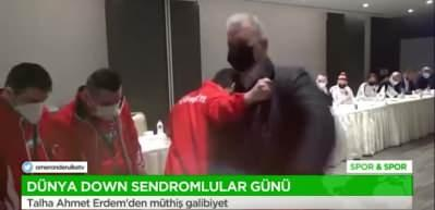 Milletvekili Hasan Turan'ı bir saniyede tuşladı! O anlar kamerada