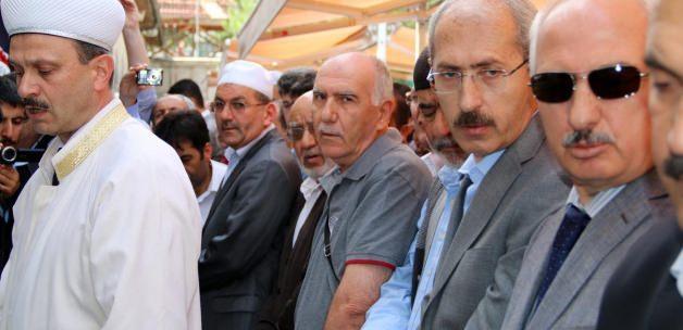 Ulaştırma, Denizcilik ve Haberleşme Bakanı Bilgin Sivas'ta