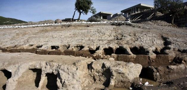 Bodrum'da inşaat alanında bulunan antik mezarlar