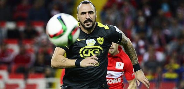 Hugo Almeida'nın sözleşmesi feshedildi