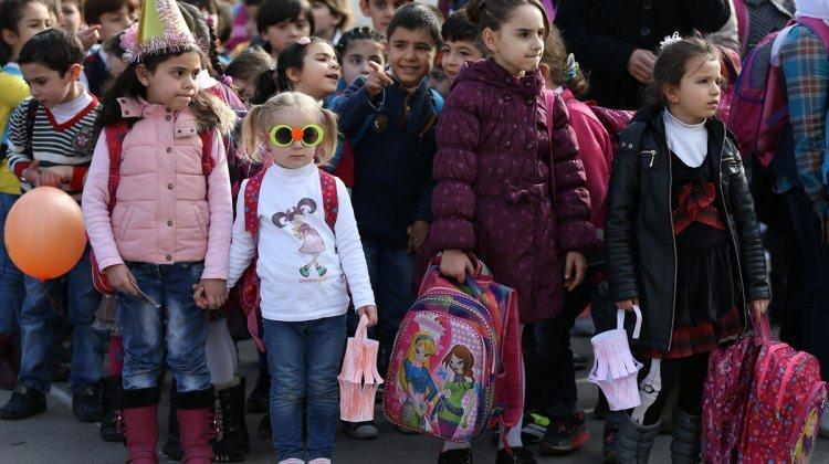 Suriyeli öğrencilere yardım