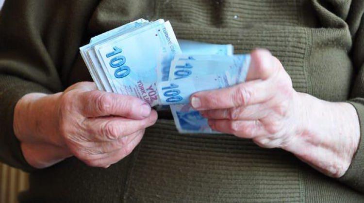 Emekli maaşına asgari ücret zammı!