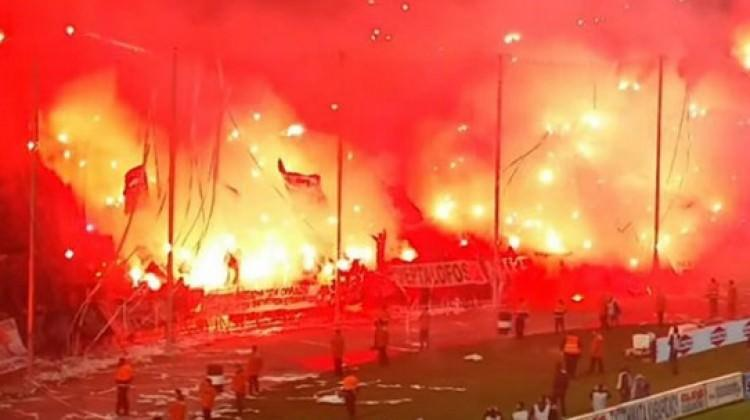PAOK-Olympiakos maçı yarıda kaldı