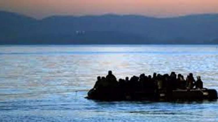 Ege'de mülteci teknesi battı: 8 kişi kayıp