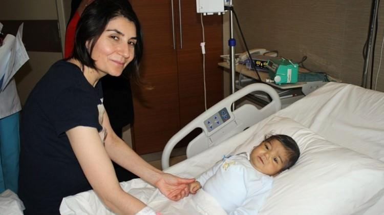 Karaciğer nakliyle anneden bebeğe ikinci hayat