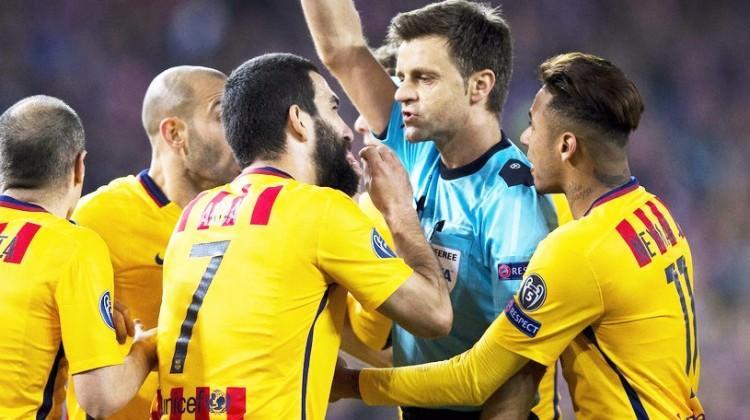 Barcelonalıları çıldırtan hakem kararı!